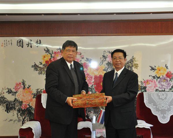 何祖坤院长会见泰国前副总理沙哈·班迪坤先生